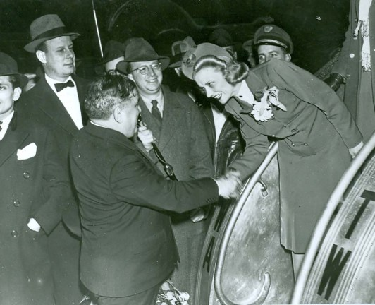 Mayor greets stewardess