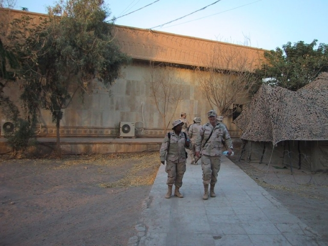 raoc-ltc-dawson-and-cpt-willoughby-baghdad-2003pic027