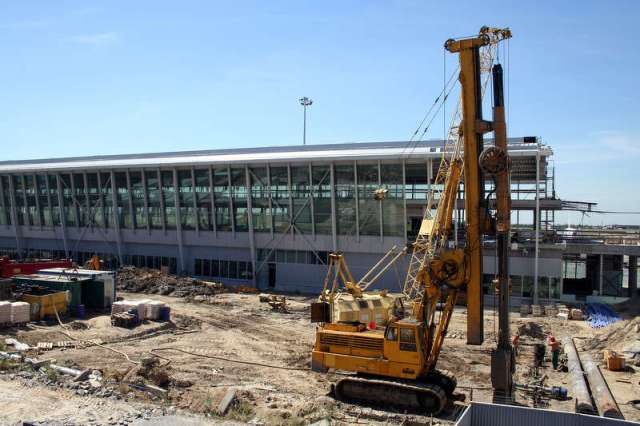 s3-28774-airportconstruction